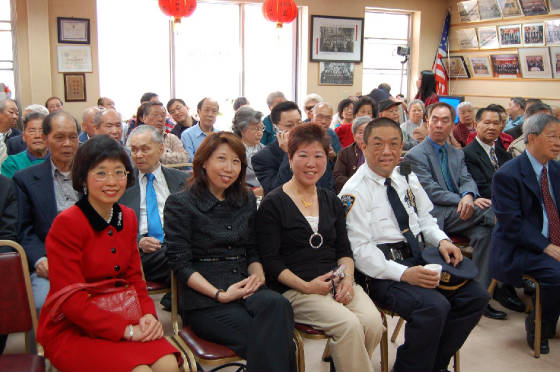 Lai Sun Yee                         with guests